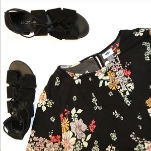 Old Navy • Floral Pintuck Swing Blouse